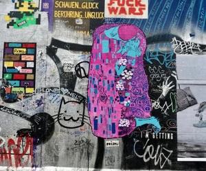 graffiti, gustavo klimt, and kiss image