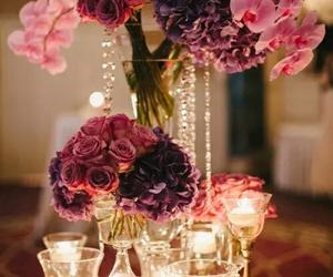 En las alegrías como en las tristezas , las flores son nuestras amigas constantes !!