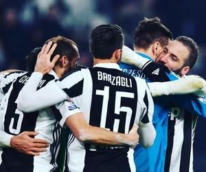 Juventus, chiellini, and higuain image