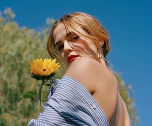 zoey deutch and flowers image