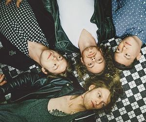 cage the elephant and matt shultz image