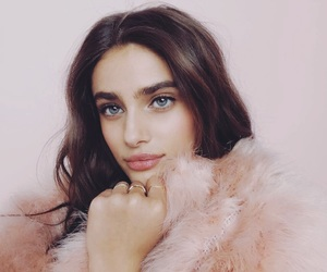 taylor hill, model, and pink image