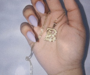 aesthetic, gold, and gold necklace image