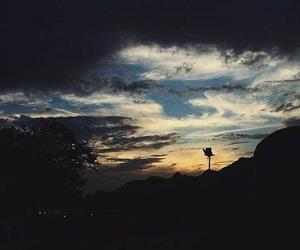 sky, @ayesha_tariq001, and sunrise image