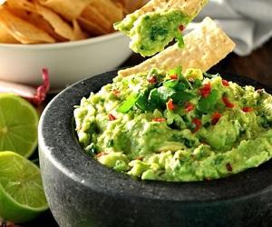 guacamole and food image