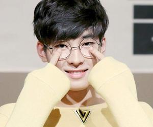 Seventeen, carat, and wonwoo image