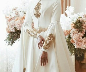 flowers, wedding, and abaya image
