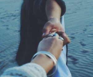 beach, relationship goals, and inspo image