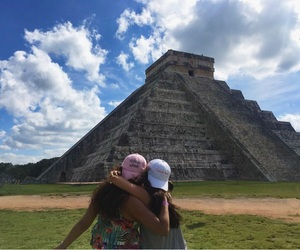 best friend, méxico, and chichen itza image