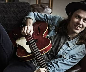 sexy, singer, and james bay image