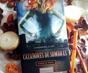 libro, cazadores de sombras, and city of bone image