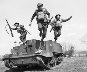 british, soldiers, and troops image