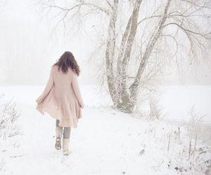 photography, winter, and شتاءً image