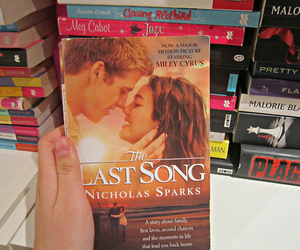 book, liam hemsworth, and the last song image