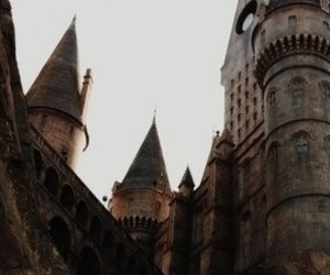 aesthetic, castle, and hogwarts image