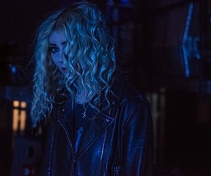 curly, singer, and the pretty reckless image