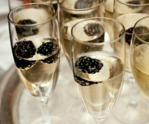 champagne, drink, and blackberry image