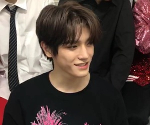 taeyong and nct image
