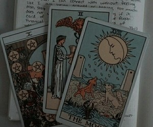 aesthetic and tarot image