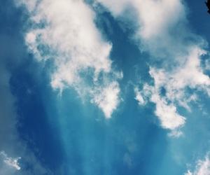 beauty, sky, and sunray image