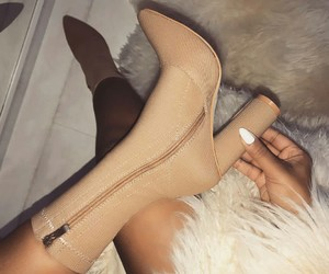 fashion style, heels shoes, and girly inspo image