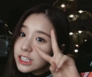 kpop, sooyoung, and hyunjin image