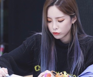 heize and 헤이즈 image