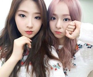 haseul, loona, and viví image