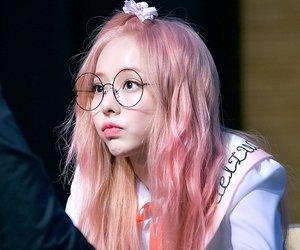 viví, loona, and pink hair image