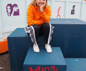 singer and astrid s image
