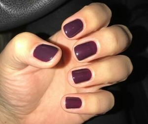burgundy, manicure, and Nagel image