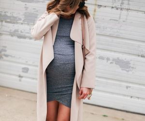 pregnancy, pregnant fashion, and outfit image