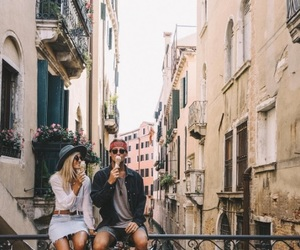 city, couple, and Relationship image