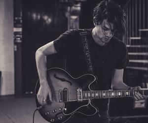 james bay and guitar image