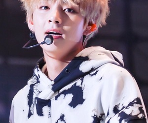 hq, taehyung, and kpop image
