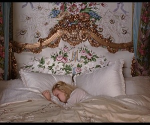 bed, marie antoinette, and vintage image