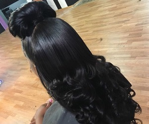 curls and laid image