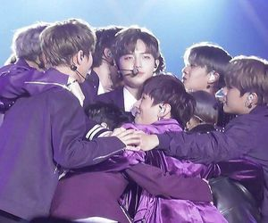 w1, hwang minhyun, and wanna one image
