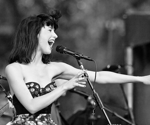 singer and kimbra image