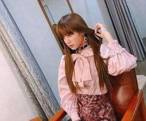 k-pop, kpop, and rose image