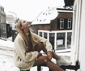 fotoshoot, snow, and selfie ideas image