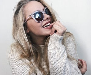 blonde girls, gio, and selfie ideas image