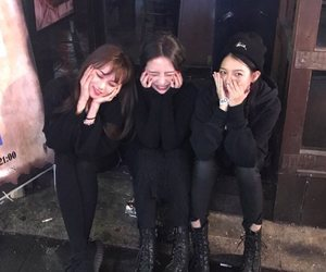girl, ulzzang, and friendship image