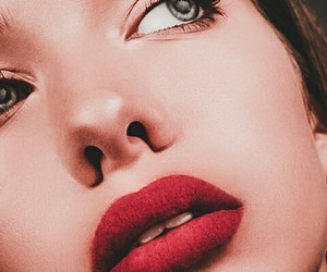 beauty, chic, and red image