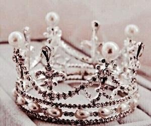 crown, tiara, and rose gold image