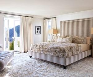 bedroom and khloe kardashian image