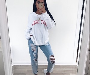 jeans, outfit, and rippedjeans image