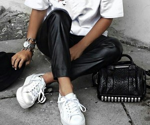 chic, outfit, and blancoynegro image