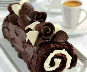 chocolate and cake roll image