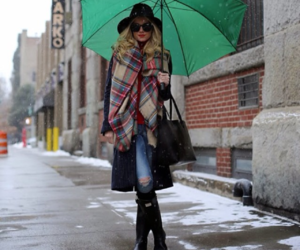 lluvia, hunter boots, and blogger style image